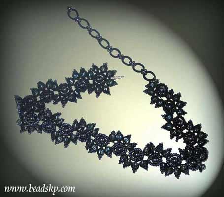 Предлогаем ознакомиться, схемы ожерелье из бисера .  Попробуем сделать вот такое.