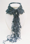 Плетение украшений из бисера.